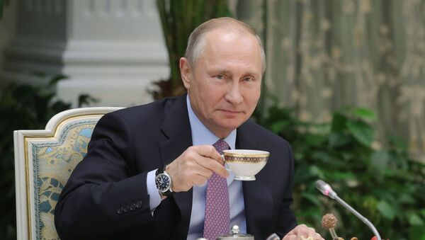 Президент РФ Владимир Путин, 28 ноября 2017 - Sputnik Латвия