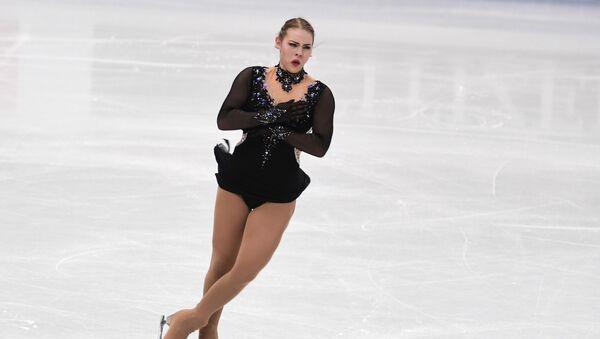 Фигуристка Ангелина Кучвальская в короткой программе чемпионата мира в Милане - Sputnik Латвия