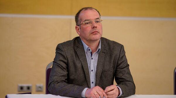 Евродепутат Андрей Мамыкин на Вселатвийском родительском собрании - Sputnik Латвия