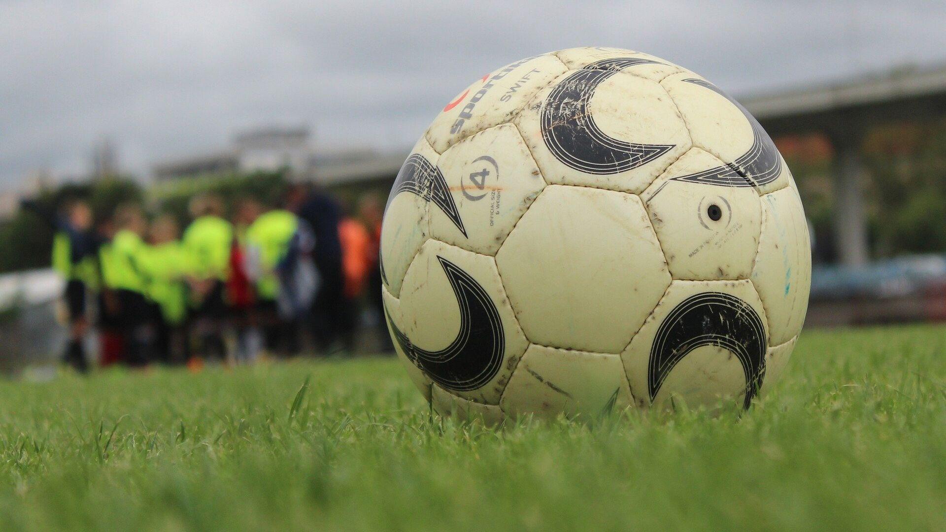 Футбольный мяч - Sputnik Латвия, 1920, 16.06.2021