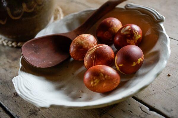 Крашение яиц на Пасху - Sputnik Латвия