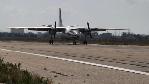 Самолет Ан-32, архивное фото - Sputnik Латвия