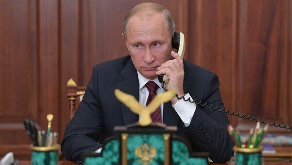 Президент РФ В. Путин провел телефонный разговор с главами ДНР А. Захарченко и ЛНР И. Плотницким - Sputnik Латвия