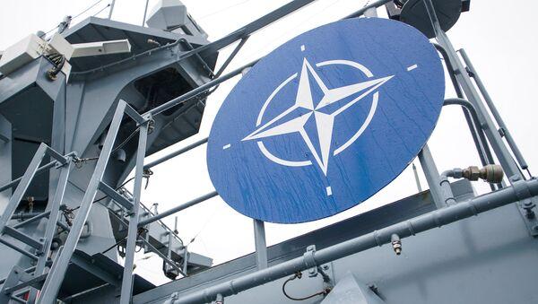 Знак НАТО на борту германского корвета - Sputnik Latvija