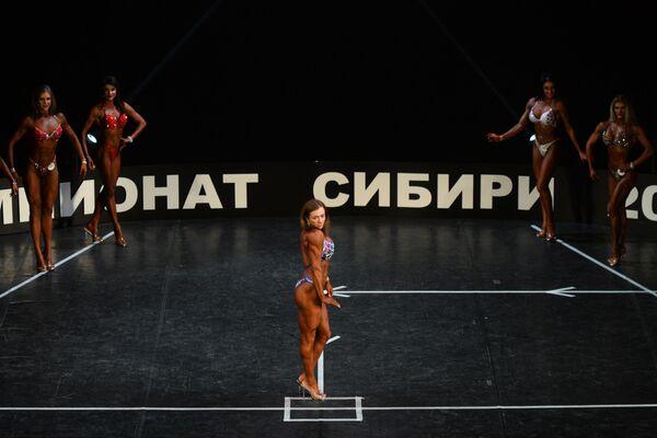 Чемпионат Сибирского федерального округа по бодибилдингу - Sputnik Латвия