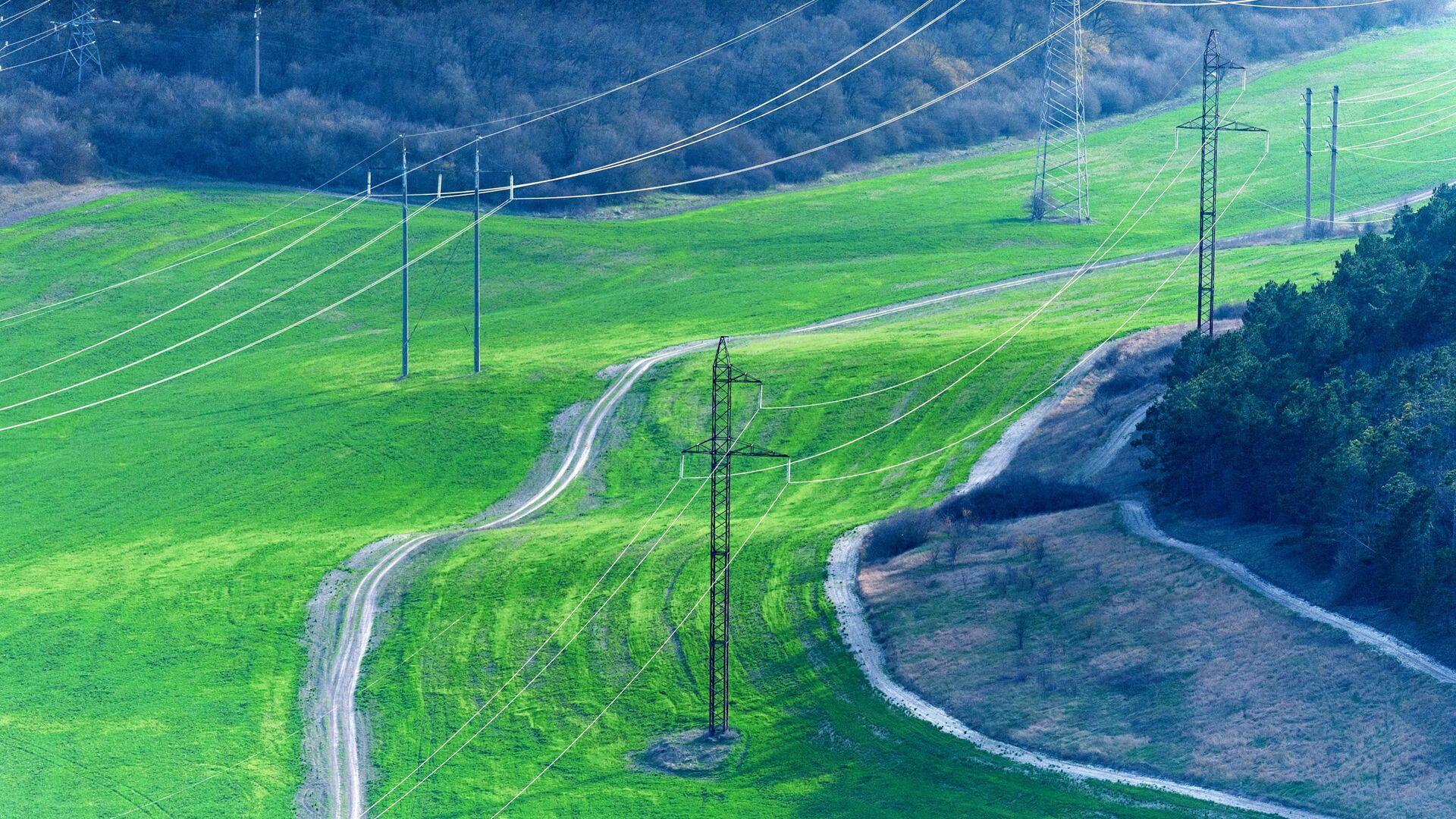 Линии электропередачи в деревне Клиновка, Крым - Sputnik Latvija, 1920, 07.06.2021