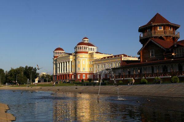Вид на музейно-архивный комплекс и Мордовское подворье в Саранске - Sputnik Латвия