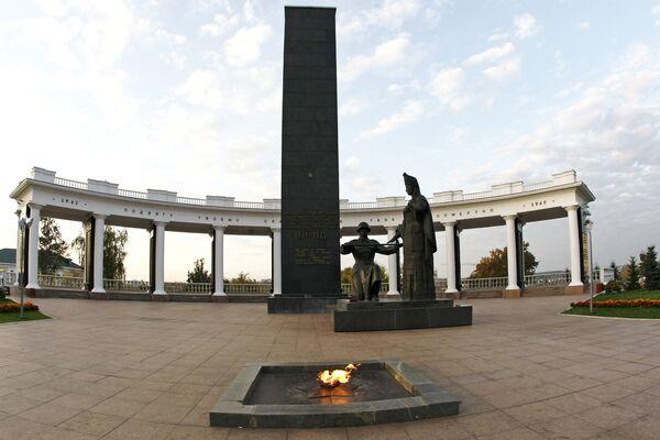 Памятник воинам Мордовии, павшим в годы Великой Отечественной войны, в Саранске - Sputnik Латвия