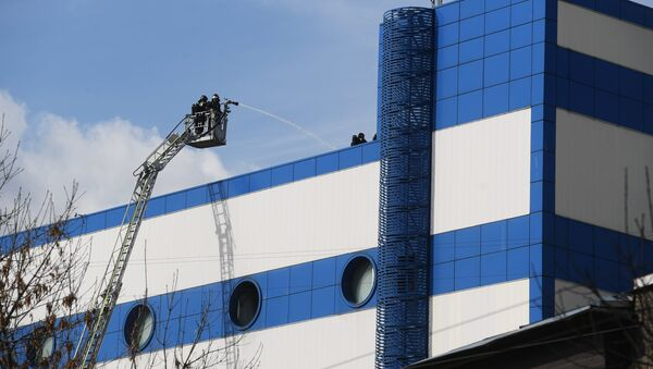 Пожар в торговом центре Персей в Москве - Sputnik Латвия