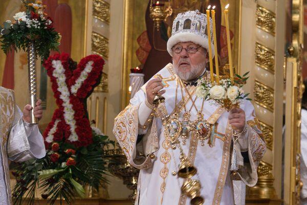 Митрополит Рижский и всея Латвии Александр совершил Крестный ход, Светлую Пасхальную Заутреню и Божественную литургию в кафедральном соборе Рождества Христова в Риге - Sputnik Латвия