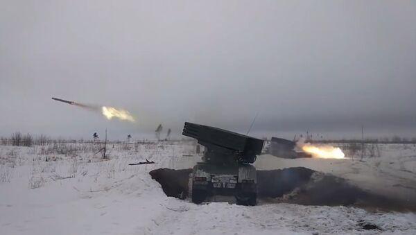 Учения батальонных тактических групп - Sputnik Latvija