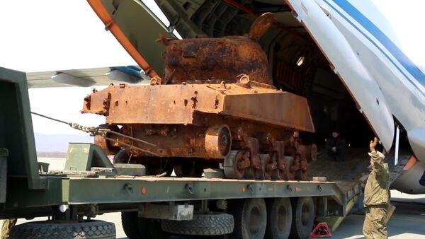 No jūras dzīlēm pacelts amerikāņu tanks piedalīsies Uzvaras dienas parādē - Sputnik Latvija