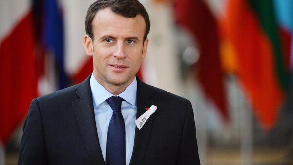 Президент Франции Эммануэль Макрон на саммите ЕС в Брюсселе - Sputnik Латвия