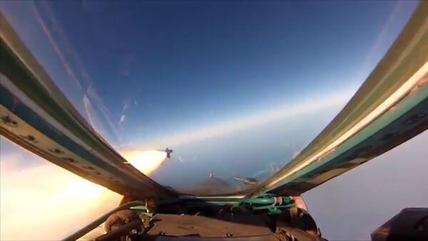 Летно-тактическое учение с экипажами оперативно-тактической авиации ЗВО - Sputnik Латвия