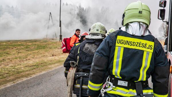 Совместные учения Национальных вооруженных сил (НВС), Службы неотложной медицинской помощи, Госполиции и Государственной пожарно-спасательной службы - Sputnik Латвия