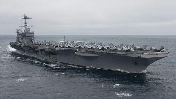 Ударная группа ВМС США во главе с авианосцем Harry Truman покинула порт Норфолк - Sputnik Latvija