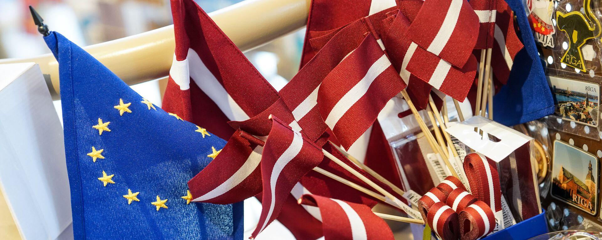 Флаги Латвии и ЕС - Sputnik Латвия, 1920, 13.08.2021