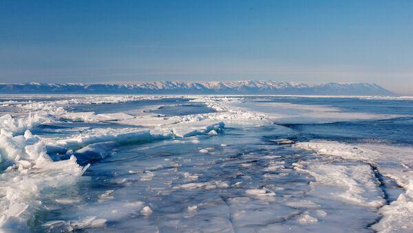 Замерзшее озеро. Архивное фото - Sputnik Латвия