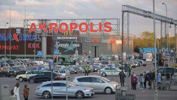 Ситуация около ТЦ Akropols в Вильнюсе, 27 апреля 2018 года - Sputnik Latvija