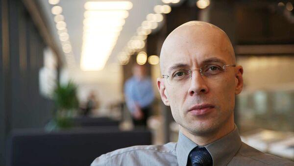 Сергей Степанович Асланян — российский журналист, радиоведущий, автомобильный эксперт - Sputnik Латвия