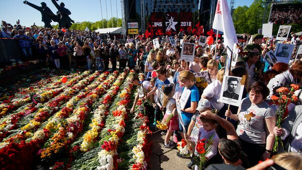 Акция Бессмертный полк в Риге - Sputnik Латвия