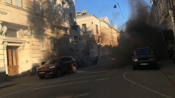 Посольство Латвии в Москве подверглось нападению 9 мая - Sputnik Латвия