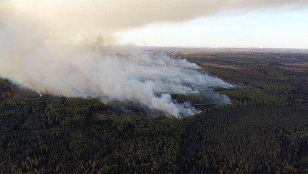 Тушение пожара в удмуртском Пугачево - Sputnik Латвия