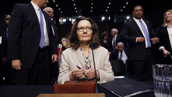Новый директор ЦРУ Джина Хаспел на слушаниях в Сенате США - Sputnik Latvija