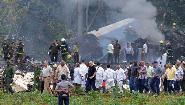 На месте крушения самолета Boeing 737 авиакомпании Cubana de Aviacion, Куба, Гавана 18 мая 2018 года - Sputnik Latvija