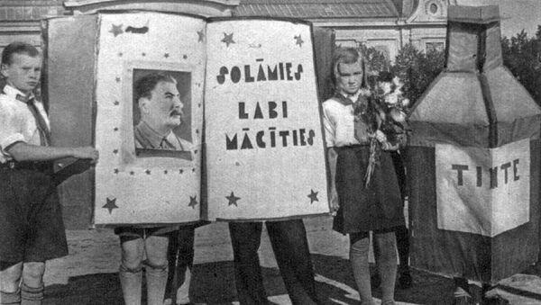 22 сентября 1940 года. Юные латвийские пионеры обещают Сталину хорошо учиться - Sputnik Latvija