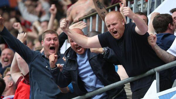 Britu līdzjutēji Eiropas čempionātā futbolā - Sputnik Latvija