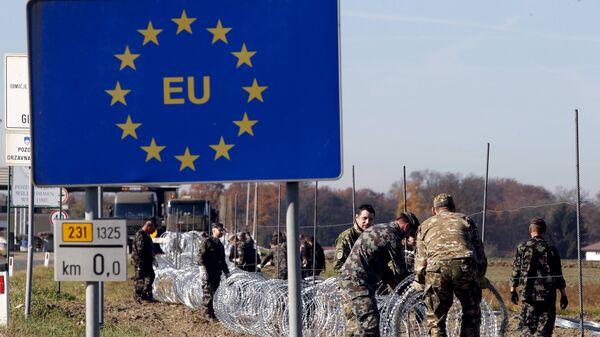 Nožogojumu būvdarbi uz Eiropas valstu robežām - Sputnik Latvija