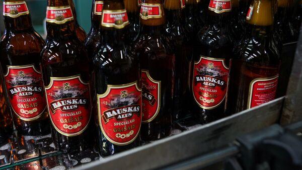 Производство пива на предприятии Bauskas alus - Sputnik Латвия