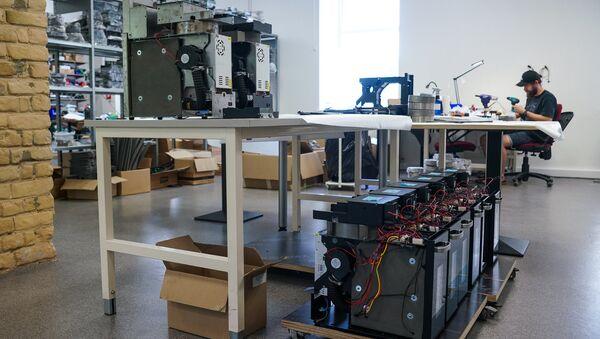 Производство 3D-принтеров компания MASS PORTAL находится в Риге - Sputnik Латвия