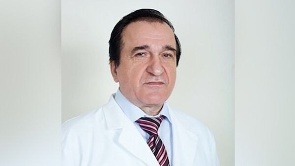 Заслуженный врач России, доктор медицинских наук, профессор, врач-терапевт, кардиолог Юрий Серебрянский - Sputnik Латвия