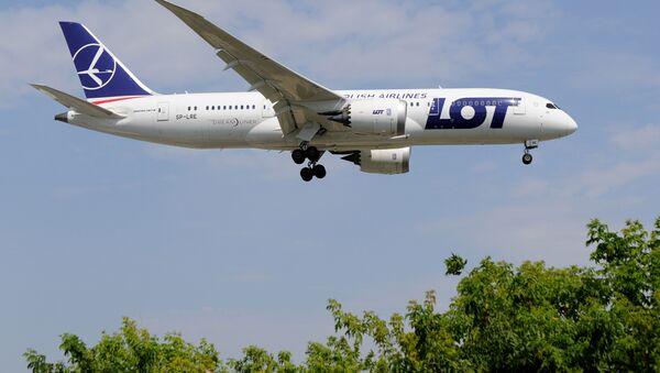 Самолет польской авиакомпании LOT - Sputnik Latvija