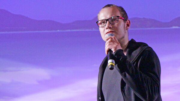 Игорь Лесков на песенном конкурсе Высокая нота - Sputnik Латвия