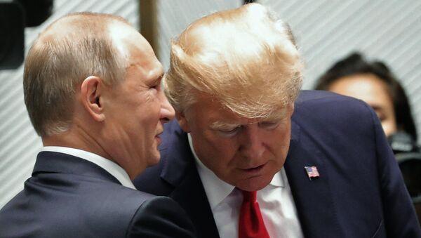 Vladimirs Putins un Donalds Tramps - Sputnik Latvija