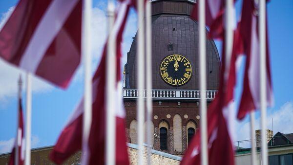 Домский собор и флаги Латвии - Sputnik Латвия