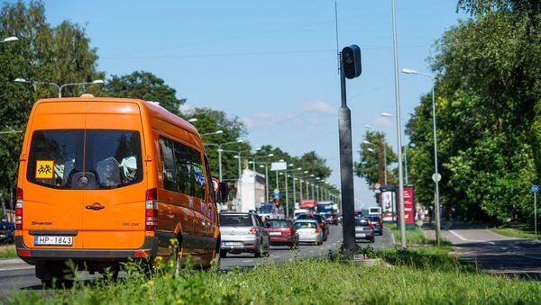 Стационарный фоторадар на улице Бривибас в Риге - Sputnik Латвия