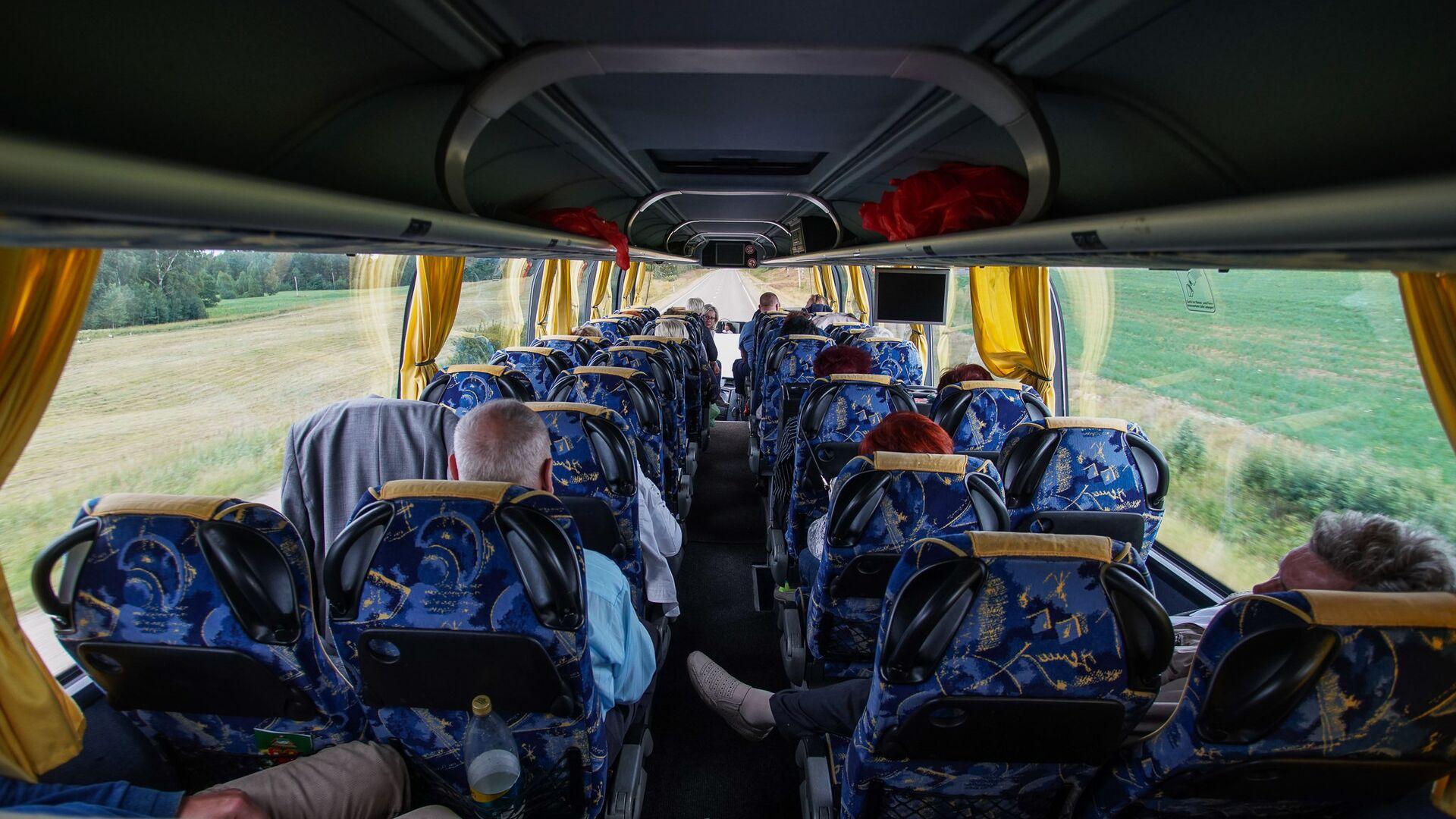 Салон пассажирского автобуса - Sputnik Латвия, 1920, 26.08.2021