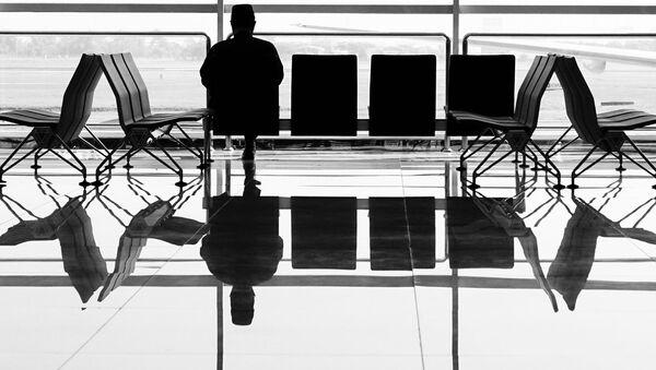 Пассажир в аэропорту - Sputnik Latvija