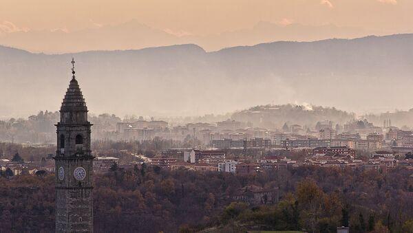 Вид на город Ивреа, Италия - Sputnik Latvija