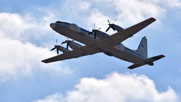 Lidmašīna Il-22PP ar radioelektroniskās cīņas iekārtām - Sputnik Latvija