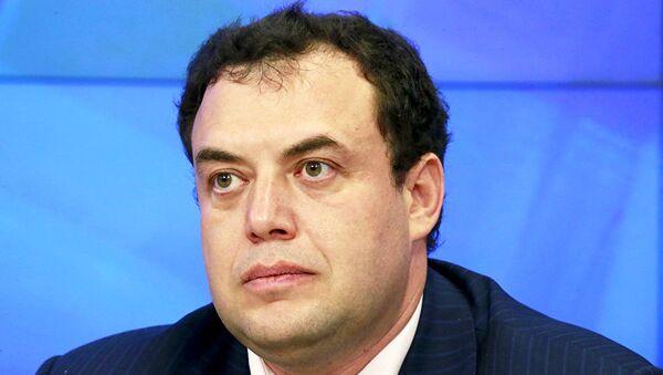 Член Совета по правам человека и развитию гражданского общества при президенте РФ Александр Брод - Sputnik Латвия