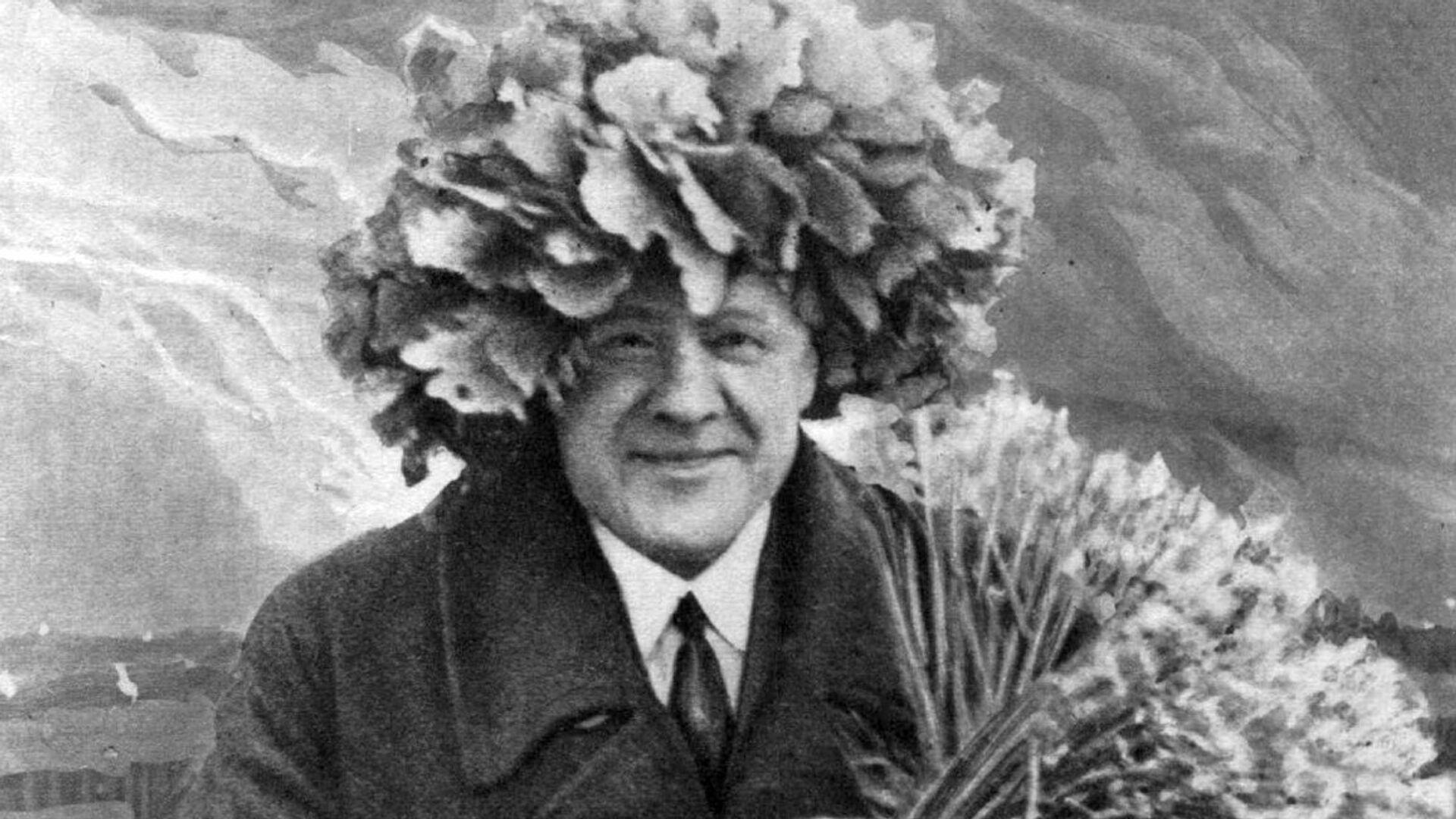 Карлис Улманис всегда ходил в пальто, даже на Лиго - Sputnik Латвия, 1920, 27.09.2021