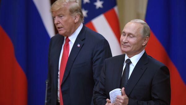 Встреча президента РФ Владимира Путина и президента США Дональда Трампа в Хельсинки - Sputnik Латвия