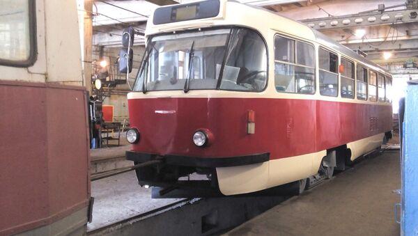Трамвай из Латвии в Мариуполе - Sputnik Latvija