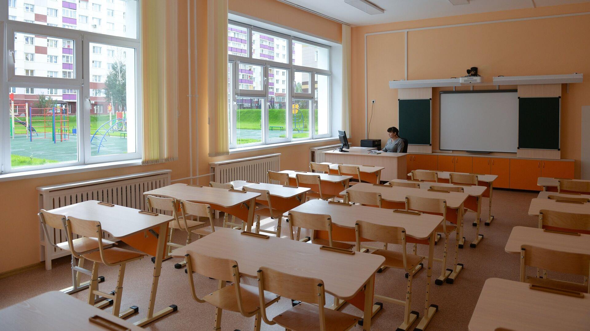 Подготовка школ к учебному году, архивное фото - Sputnik Latvija, 1920, 24.07.2021