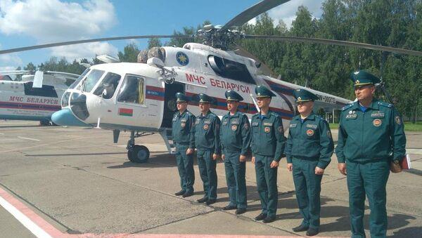 Вертолет МЧС Беларуси вылетел для тушения пожара в Талсинском крае - Sputnik Латвия